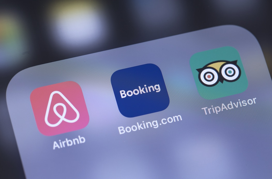 Airbnb app on store